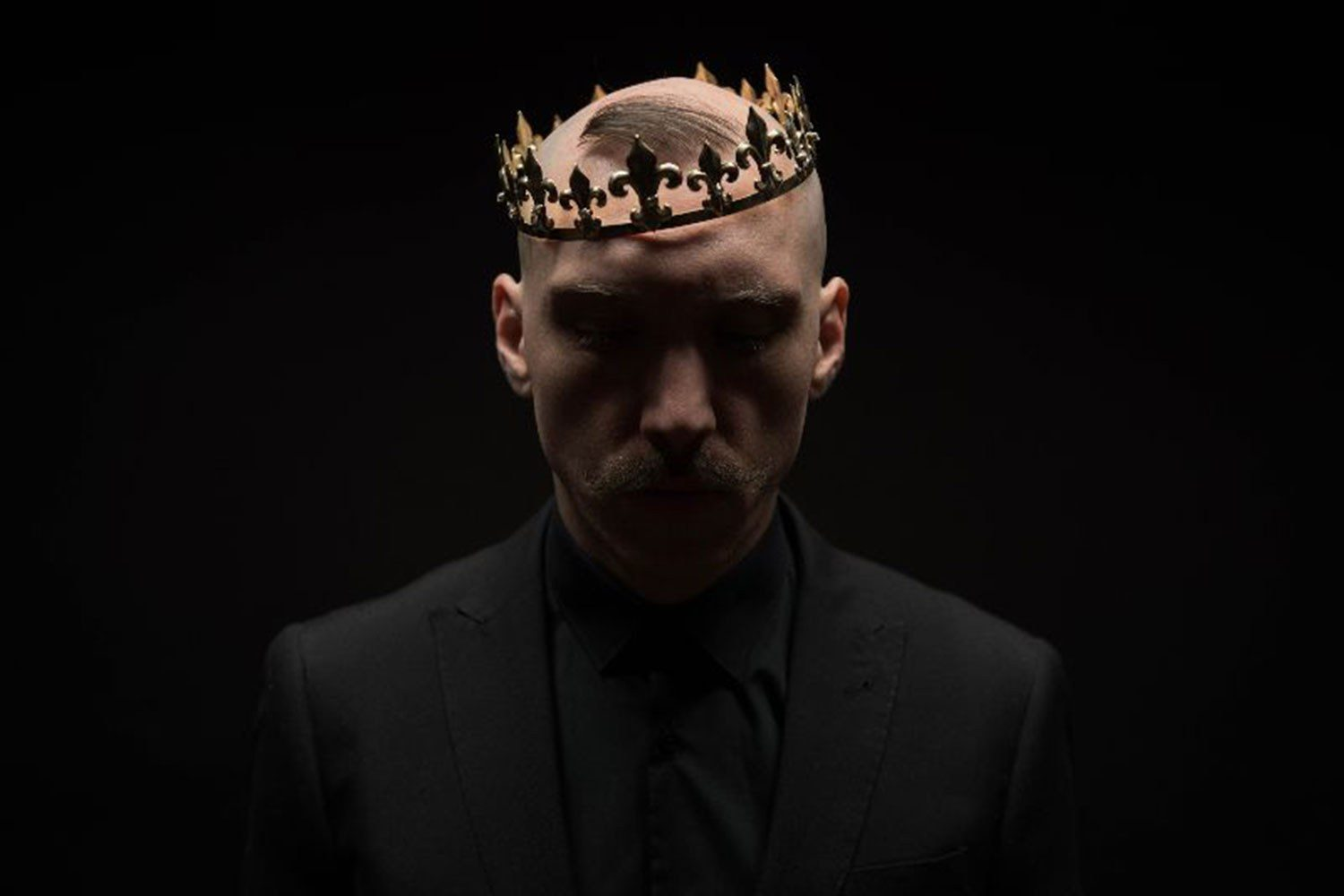 Jamie Lenman is going to perform a couple of acoustic shows in East London