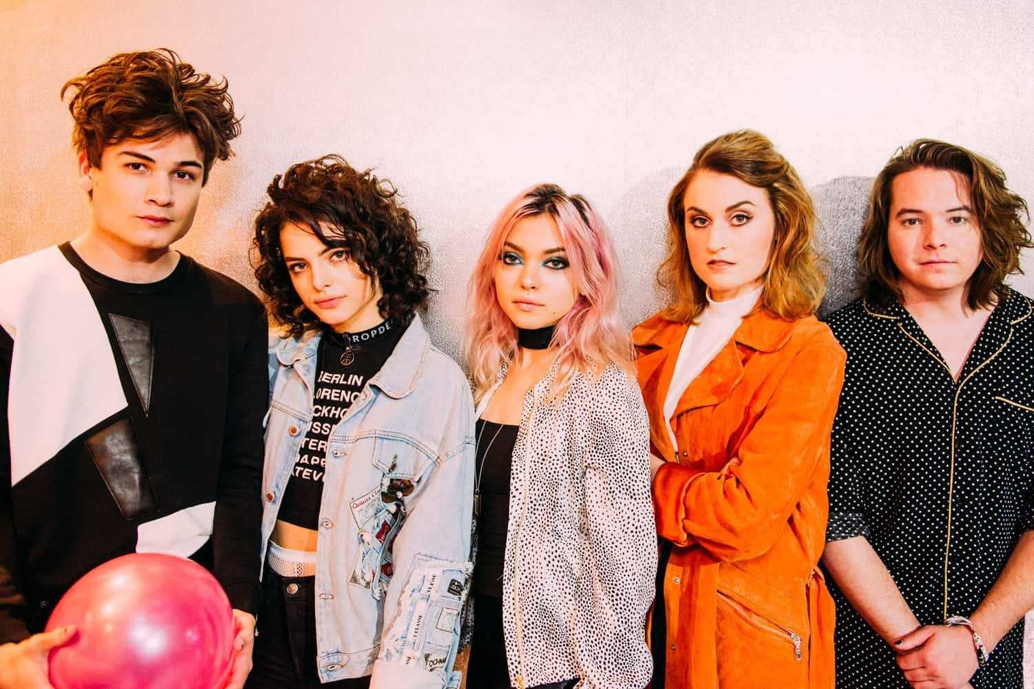 Hey Violet: Brand new moves