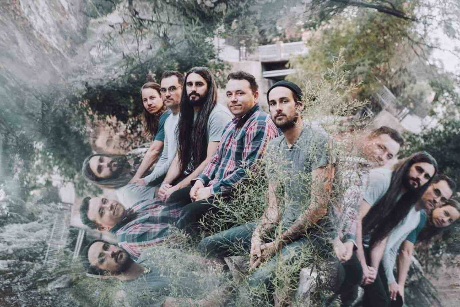 Check out this new track from Pianos Become The Teeth