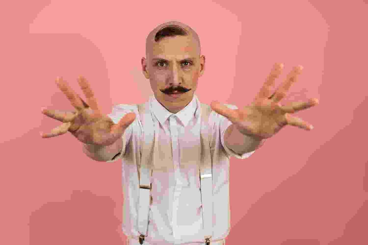 Jamie Lenman and Employed To Serve's Justine Jones have teamed up for 'Long Gone'