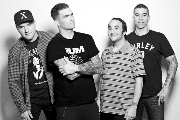 New Found Glory have dropped a video for their song 'Barbed Wire'
